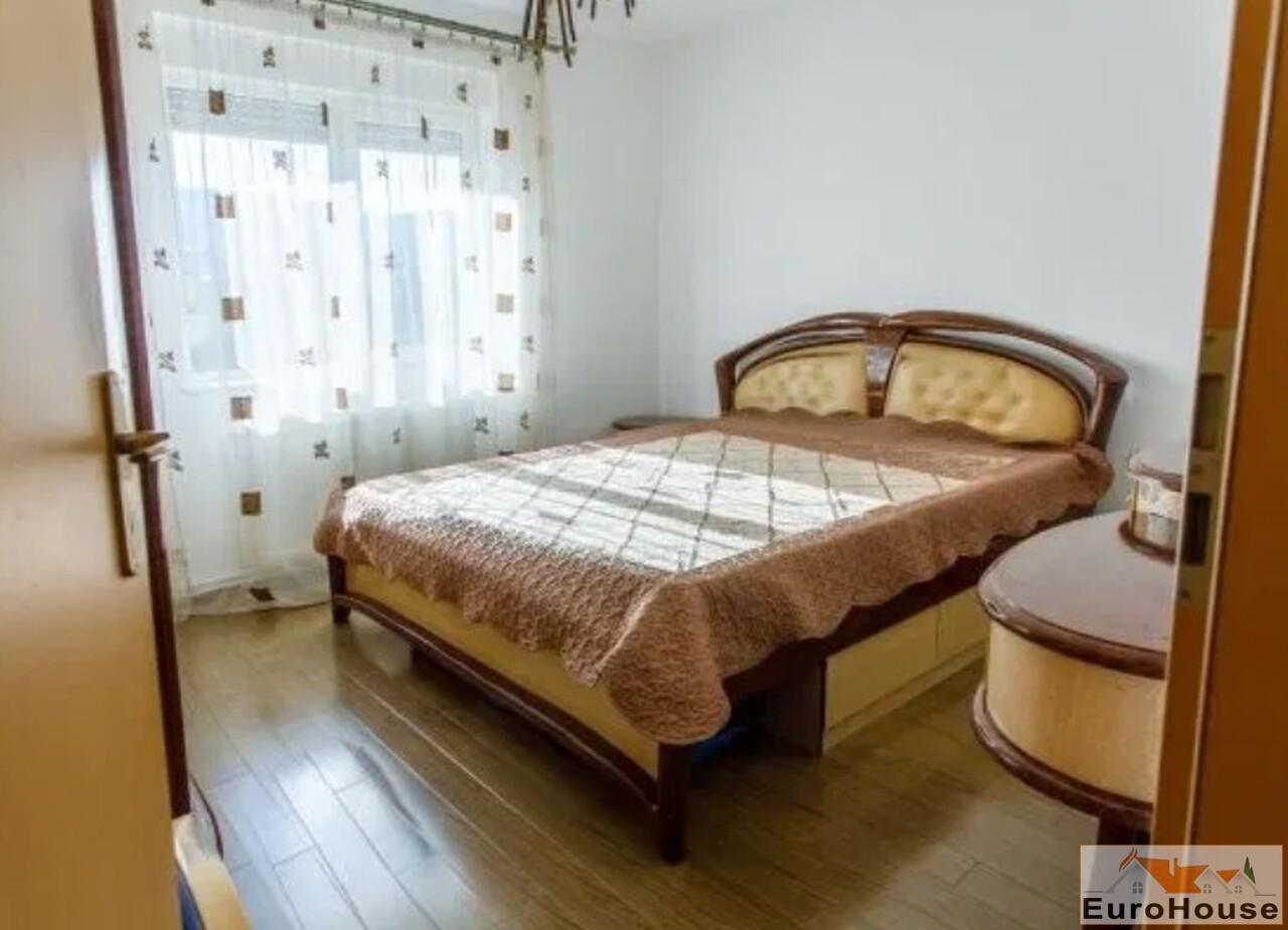 Apartament cu 3 camere de vanzare in Alba Iulia -35177-