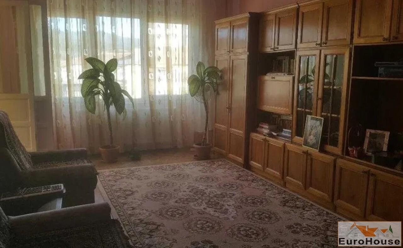 Apartament cu 3 camere de vanzare in Alba Iulia-35194-