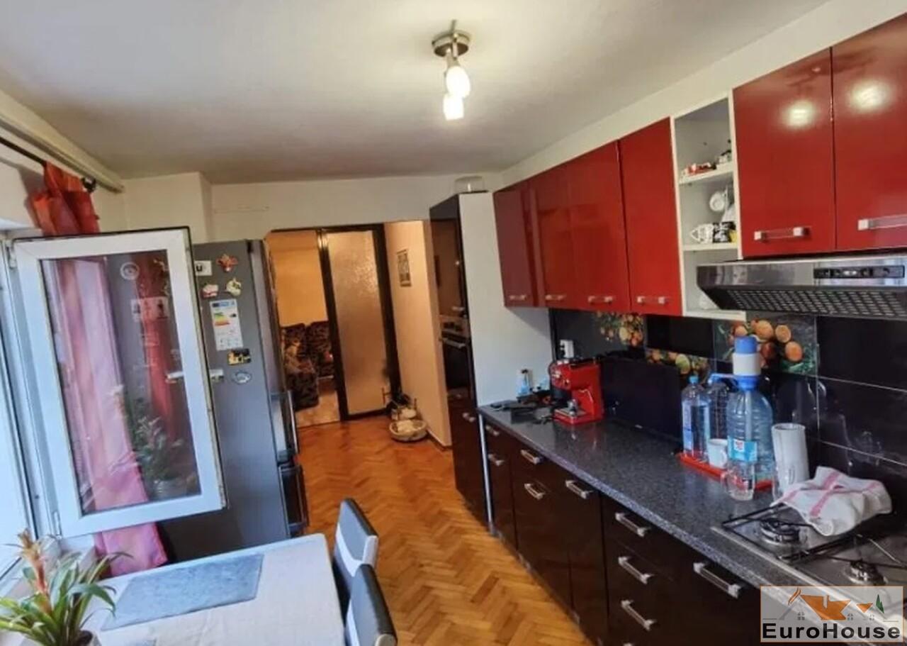 Apartament cu 3 camere de vanzare in Alba Iulia-35257-