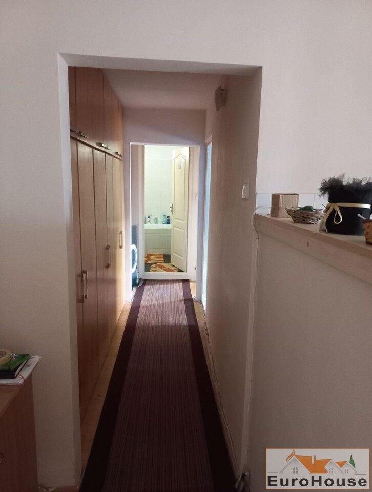 Apartament cu 3 camere de vanzare in Alba Iulia -35259-