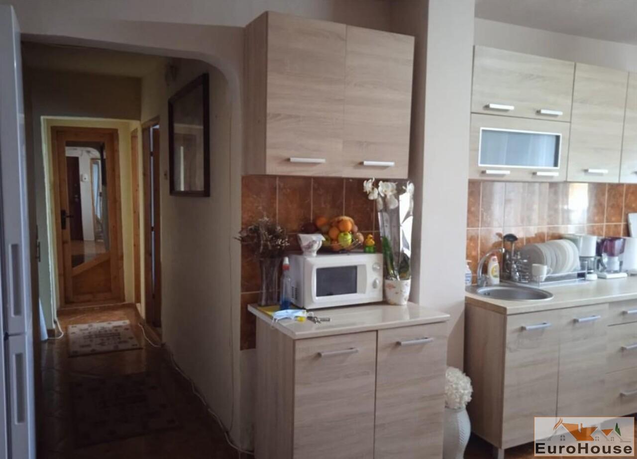 Apartament cu 3 camere de vanzare in Alba Iulia -35260-