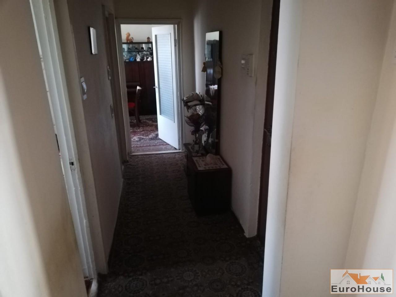 Apartament 2 camere de vanzare Alba Iulia -33948-