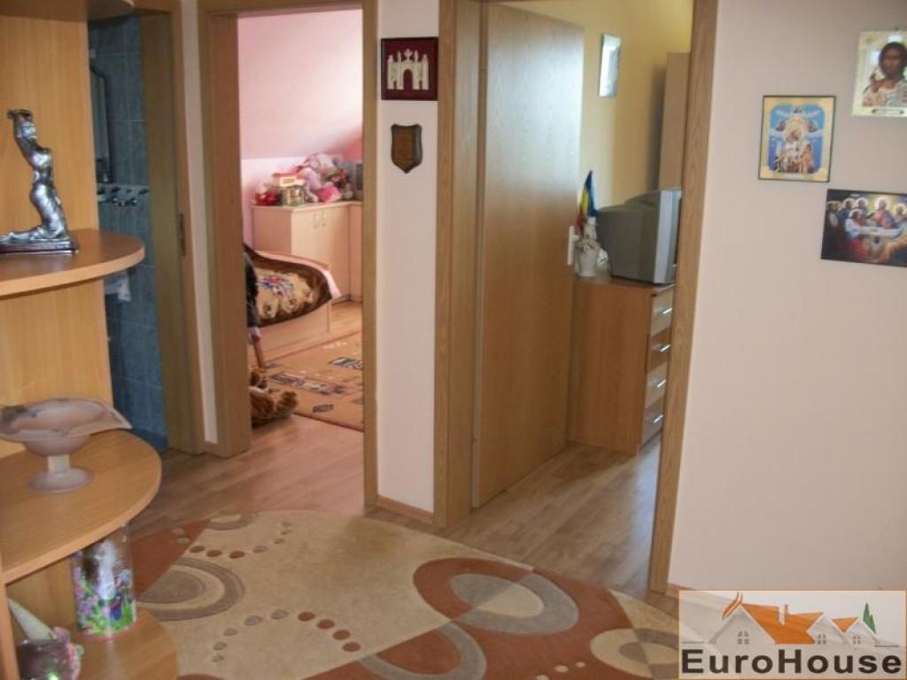 Apartament 3 camere de inchiriat ,Alba Iulia bloc nou-30636-
