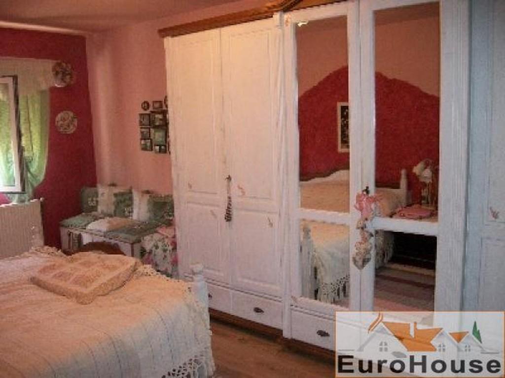 Apartament de vanzare 3 camere decomandat, Cetate-30869-
