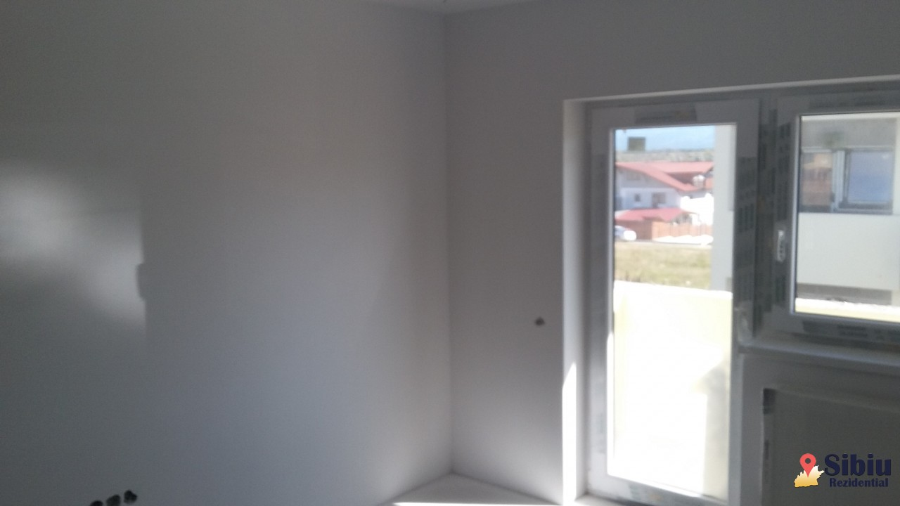 Apartament nou de vanzare in imobil tip vila pe Calea Cisnadiei 2 camere debara si 2 balcoane-29269-4